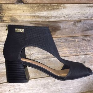 Kenneth Cole Reaction mix cut out Sandal NWT